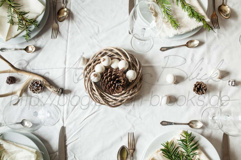 Festive laid table, Christmas theme, Vaihingen/Enz, Baden-Württemberg, Germany