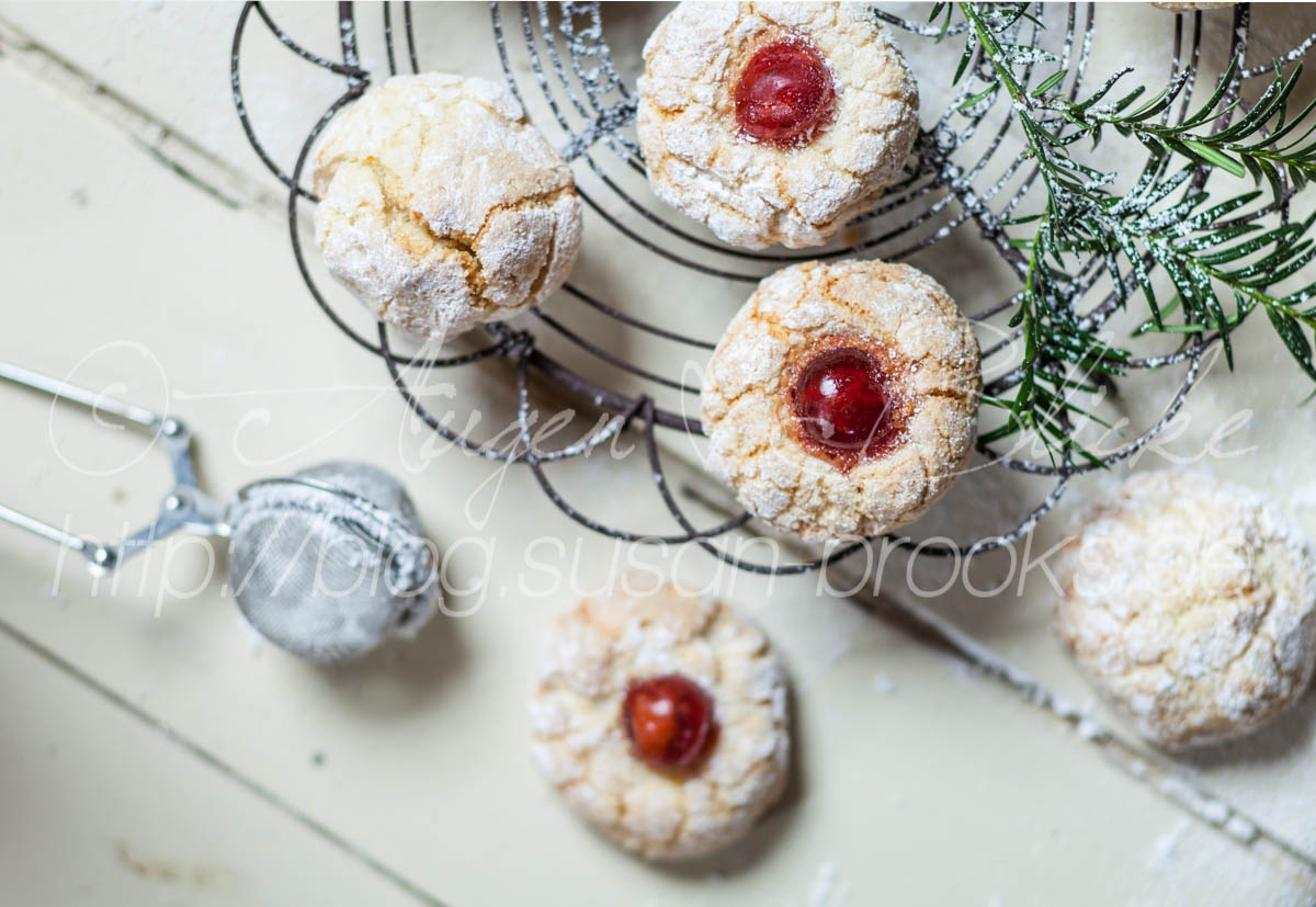 Fior di Mandorle (Italian almond cookies) with Christmas decoration, studio