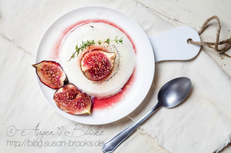 Coconut-Panna-Cotta with balsamic-roasted figs