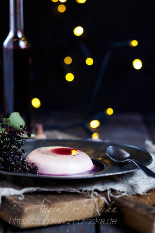 Coconut-Panna-Cotta with elderberry-syrup